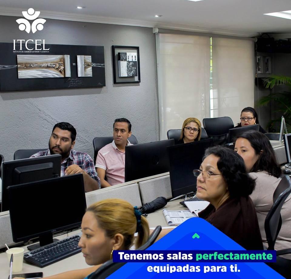 Salas de enseñanza equipadas Itcel El Salvador